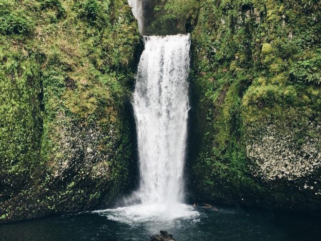 waterfall-792819_1280