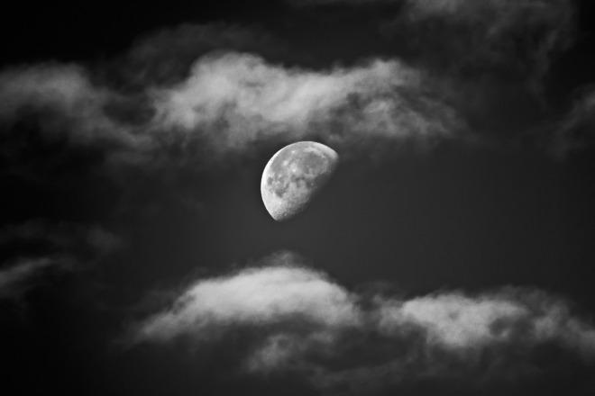 moon-970542_1920