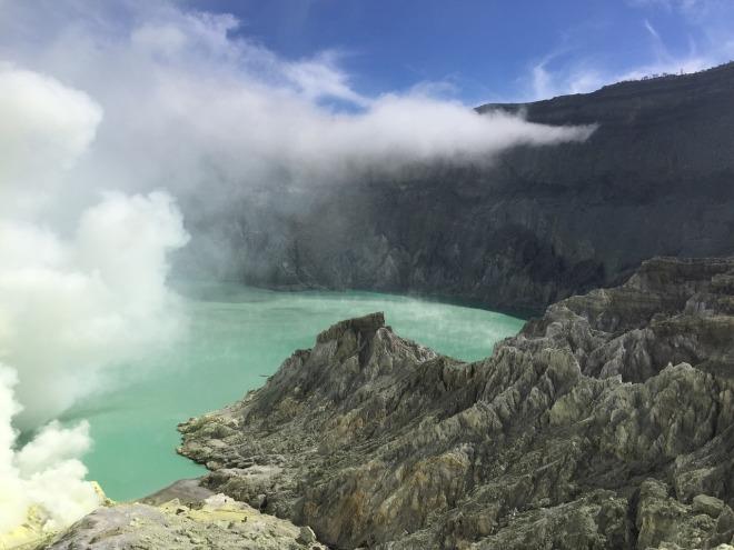 volcano-1232960_1280