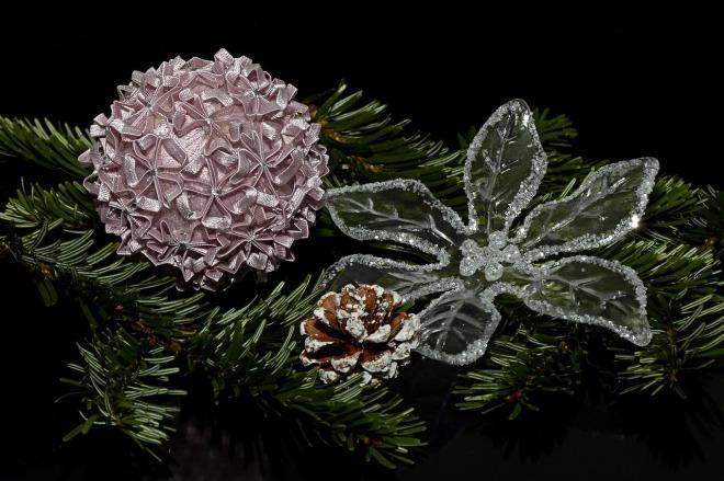 christmas-balls-1830359_1280